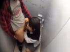汚い公衆トイレで今時の巨乳援交JKにバイブ責めとフェラの後追加料金払って生ハメSEXさせてもらう erovideo かわいいJK女子校生の制服無料エロ動画