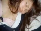 寝ているJKの妹の後輩をこっそり制服着用のままマンコを濡れさせて睡眠レイプする鬼畜な兄貴 erovideo かわいいJK女子校生の制服無料エロ動画