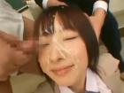 満足げに複数の男子高校生に大量顔射されながら教室でセックスする精子大好きなシースルーの制服巨乳JK erovideo かわいいJK女子校生の制服無料エロ動画