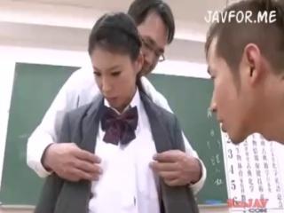 かわいいJK女子校生の制服無料エロ動画