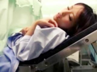 生理不順で産婦人科を訪れたら検査という建前で医者のチンコ嵌められて中出しSEXし精子を膣に注入されちゃうめちゃくちゃ可愛いギャルJK erovideoかわいいJK女子校生の制服無料エロ動画