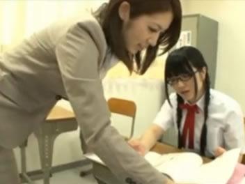 JKの無料ギャル動画。JK同士でレズる光景をみた美人女教師も発情してさらにレズっちゃう百合学園 RED TUBE