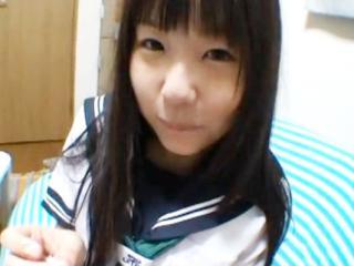 ロリのJK、つぼみ出演のH無料エロギャル動画。Hしたいと迫ってきたセーラー服を着たロリ顔JKの彼女の妹と彼女に内緒でセックス つぼみ FC2