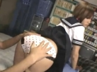 少しヤンキーっぽいセーラー服JKの張りのある美尻をバシバシ叩きながらバックで挿入して中出しSEX erovideoかわいいJK女子校生の制服無料エロ動画