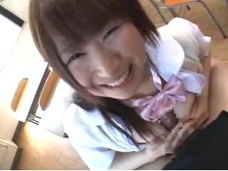 甘えた声の巨乳JKが大好きな先輩に自慢のオッパイを使って奉仕した後は中出しをキメられる校内SEX erovideoかわいいJK女子校生の制服無料エロ動画
