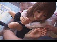 眼の大きなカワイイゆるふわ貧乳JKにフェラさせて生挿入中出しSEX erovideo かわいい JK 女子校生の制服無料エロ動画