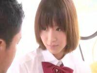 清純そうな激カワ美少女JKとベッドの上でゆったりとしたラブラブエッチ erovideo かわいいJK女子校生の制服無料エロ動画