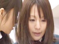 レズビアンの女教師にマンコを弄られまくって糸引くほど濡れ濡れにされちゃう清純女子校生 Spank Bang かわいい制服女子校生JKの無料エロ動画