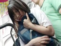 通学中のバスの中で痴漢被害に遭い最後は可愛い顔に大量のザーメンをぶっかけられて凌辱されてしまう清純女子校生 Spank Bang かわいいJK女子校生の制服無料エロ動画
