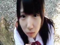 お外で従順におじさんのチンポを咥えるペットみたいに可愛いロリJK 愛須心亜 Pornhub かわいい制服女子校生JKの無料エロ動画