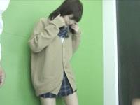 かわいいJKとプリクラ機の中でエロいことして制服のままバックからハメる男子高校生 SpankBang可愛いJK女子校生の無料アダルト動画