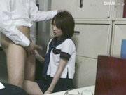 キセルした女子校生が事務室で駅員に黙っといてやるからとハメられ最初は嫌がりつつも積極的に玉まで舐めて中出しされちゃうお仕置きセックス erovideo可愛い女子校生の無料エロ動画