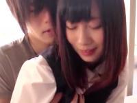 イケメンお兄さんに抱きしめられてニヤニヤが止まらない清純JKのドキドキエッチ TUBE8 かわいい制服女子校生JKの無料エロ動画