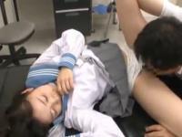 黒髪ポニーテールのセーラー服JKが病院で変態医師に犯されちゃう鬼畜セックス FC2 かわいいJK女子校生の制服無料アダルト動画