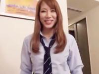 可愛らしい茶髪で巨乳の女子校生がホテルでハメ撮り援交セックス FC2 かわいいJK女子校生の制服無料エロ動画