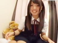 カメラに向かって激しくオナニーをする淫乱女子校生 Pornhub かわいい制服女子校生JKの無料エロ動画