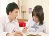 勉強中なのにムラムラしちゃった性欲の塊男子の相手をしてあげる清純JKのセックス erovideo かわいいJK女子校生の制服無料エロ動画
