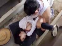 路地裏でおじさんに無理やりマンコを犯されて最後は超大量のザーメンをぶっかけられてしまう巨乳JKの凌辱セックス 裏アゲサゲ かわいいJK女子校生の制服無料アダルト動画