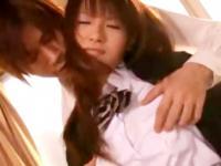 エロメン男子に夕方の教室で濃厚なキスとクンニをされて悶えちゃってる女子校生 erovideo かわいいJK女子校生の制服無料エロ動画