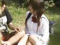 お外で彼氏とイチャイチャしながらフェラする姿を盗撮される素人JK ShareVideos かわいい制服女子校生JKの無料エロ動画