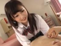 ドMのおじさんの乳首やチンポをいやらしい手つきで責めまくるドS痴女JK ShareVideos かわいいJK女子校生の制服無料エロ動画