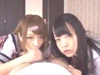 ロリ可愛い妹系女子校生達がエッチなカメラ目線の手コキとフェラでご奉仕 JavyNowかわいいJK女子校生の制服無料エロ動画