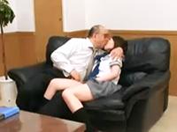受験を控えた女生徒に裏口入学の口利きをしてあげるからと身体を要求するハゲ教師の禁断中出しセックス erovideoかわいいJK女子校生の制服無料エロ動画