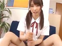 慣れた手つきでおチンチンをシゴキながらアナルまで舐めてくれるツインテール巨乳JKの手コキプレイ JavyNow かわいいJK女子校生の制服無料エロ動画