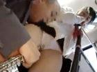 怖くて声を上げられず周りに沢山の乗客がいるのに痴漢おやじに身体を弄ばれちゃう女子校生のセックス erovideoかわいいJK女子校生の制服無料エロ動画