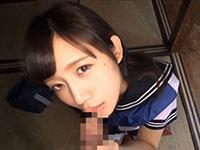 セーラ服の美少女JKにカメラ目線でフェラさせてからパイパンマンコに中出しセックス FC2かわいいJK女子校生の制服無料アダルト動画