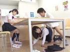図書館で友達のカップルと勉強中に机の下に潜り込んで友達の彼氏とハメちゃう大胆すぎる痴女JKの寝取りセックス JavyNowかわいいJK女子校生の無料エロ動画