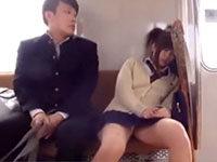 駅で見かけたときから気になった美脚JKに電車でイタズラしてから公衆トイレに連れ込んで強引にエッチしちゃう積極的過ぎる男子高校性 JavyNow