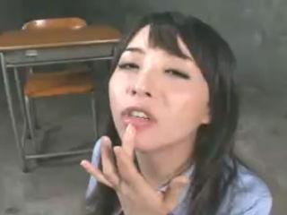 めちゃくちゃ可愛い美人女子高生がフェラで大量の精子を飲みまくってはしゃぐ 大沢佑香 erovideo