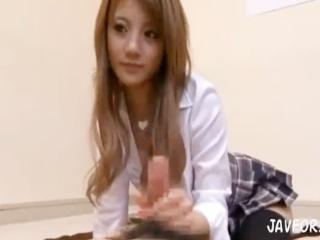 とてつもなく可愛い制服ギャルJKが最近の日本男児の早漏改善のために特別講義してフェラと手コキで実習 月野りさ erovideo かわいいJK女子校生の制服無料エロ動画