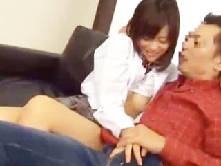 放課後はいつも家のソファで年上の彼氏と制服着衣のままラブラブでセックスする巨乳JK erovideo かわいいJK女子校生の制服無料エロ動画