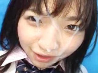 シックスナインでローターを当てられながらフェラをして最後は大量顔射されてる黒髪ロりJK 吉川みなみ FC2 かわいい制服女子校生JKの無料エロ動画