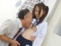 三者面談の途中で担任教師と教室でセックスするツインテールのブルマJK erovideo かわいい制服女子校生JKの無料エロ動画