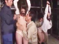 拉致られて監禁されてる女子校生たちが男たちに陵辱されちゃう屈辱ファック erovideo かわいい制服女子校生JKの無料エロ動画