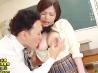 執拗にHカップのおっぱいを弄られて悶えまくる爆乳女子校生の教室セックス 吉川あいみ 裏アゲサゲ かわいい制服女子校生JKの無料エロ動画