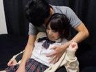 Twitterで出会っためちゃ可愛いおJKを自宅に連れ込んでいっぱいキスして身体をまさぐるエロいおじさんのセックス JavyNowかわいいJK女子校生の制服無料アダルト動画