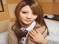 激カワなギャル系JKに制服を着せたままホテルで援交ハメ撮りセックスを楽しむお兄さん JavyNowかわいいJK女子校生の制服無料アダルト動画