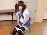 ツンデレな美少女JKが学校でこっそりオナニーしてる姿にガマン出来ずに迫っちゃう同級生のセックス JavyNowかわいいJK女子校生の制服無料エロ動画