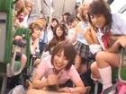 バスに一人乗ってきた気弱な男を集団で痴女って逆レイプする女子校生たち erovideoかわいいJK女子校生の制服無料アダルト動画